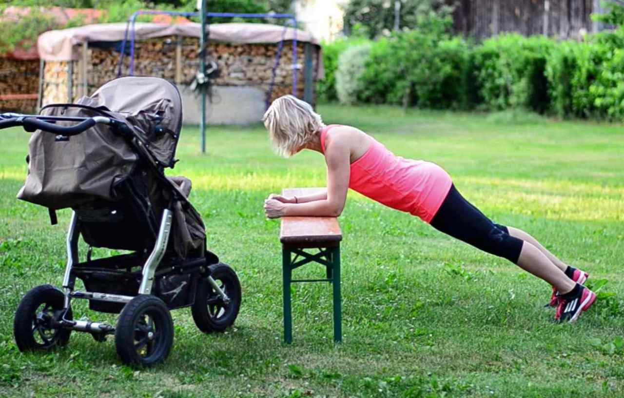 Sit-ups, crunches in supine position and table top exercises – why MumMeFit doesn't do them